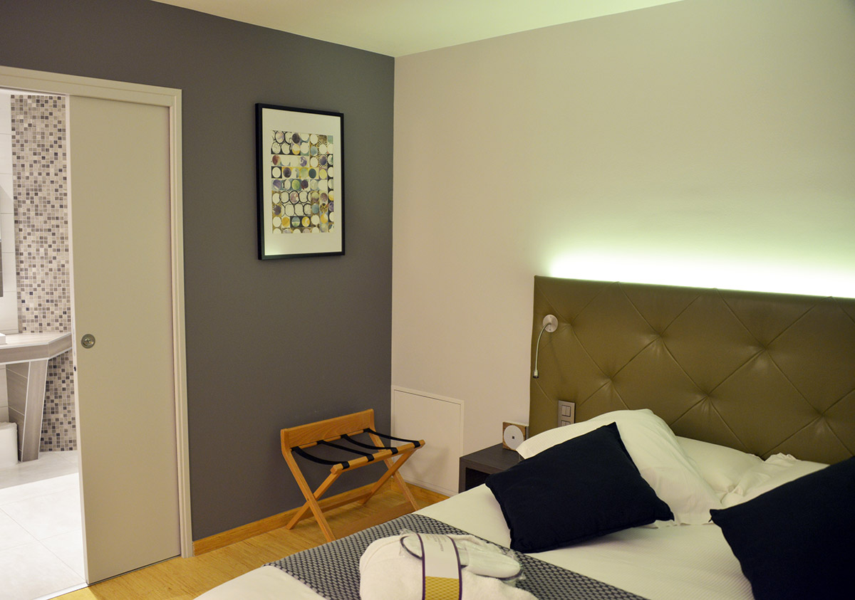 R novation de chambre pmr hotel for Idee renovation chambre